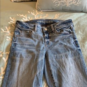 Light wash American Eagle jeans size 4